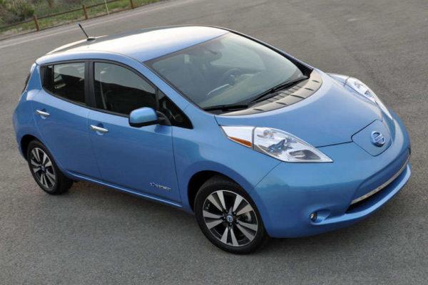 ABTL_2014-Nissan-Leaf-Front-Quarter-Aerial